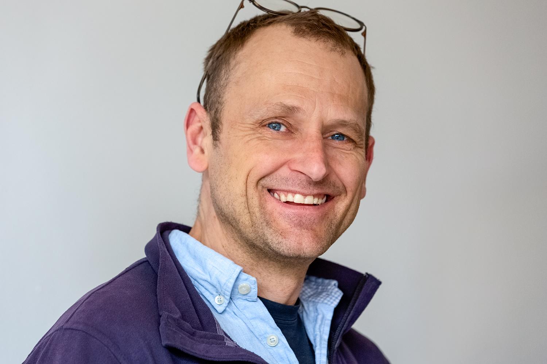Stefan Drobkas Leitmotiv: Er möchte nachhaltige Lebens- und Arbeitsräume erschaffen. Mit Respekt, Wertschätzung und ehrlicher Kommunikation schafft er es, gemeinsame Ziele bei der Realisierung von Bauprojekten erfolgreich umzusetzen.